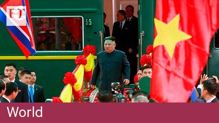 VIDEO // Kim Jong-un a ajuns în Vietnam pentru summit-ul cu Trump, fiind întâmpinat cu gardă de onoare şi cu covor roşu