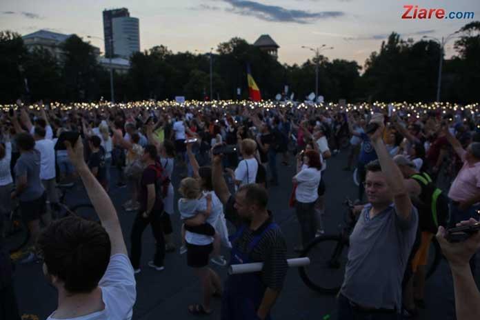 Protest anunțat pentru duminică în Piața Victoriei, după ordonanțele lui Toader: Abrogați și apoi plecați!